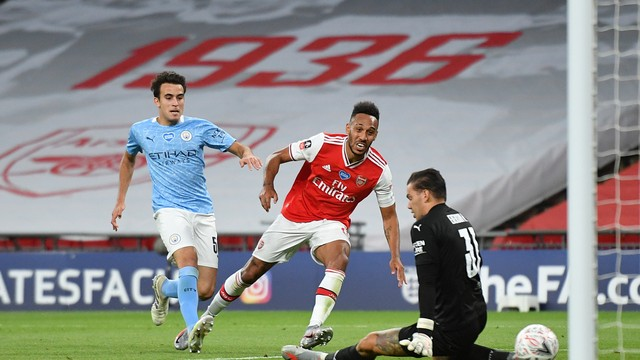 David Luiz dá a volta por cima, Arsenal vence o Manchester City e avança à final da Copa da Inglaterra