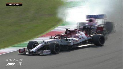 GP da Toscana: Bottas bate Hamilton no 2º treino, e Pérez causa incidente bizarro com Kimi