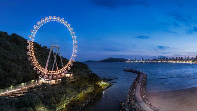 Maior roda gigante estaiada da América Latina contribui com avanço do mercado imobiliário no litoral catarinense