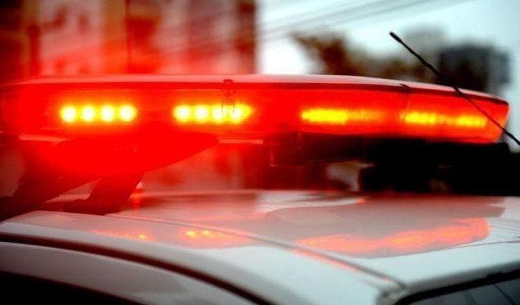 Homem chega em casa bêbado, reclama da comida, bate em mulher, e acaba preso em Blumenau